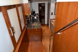 54' Sea Ray Sundancer 2012 Interior   2012 Sea Ray 540 Sundancer_0177