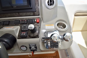 54' Sea Ray Sundancer 2012 2012 Sea Ray 540 Sundancer_0160