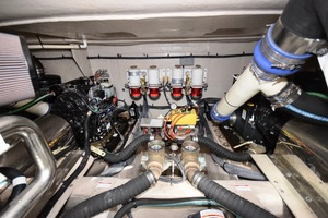 54' Sea Ray Sundancer 2012 Engine Room   2012 Sea Ray 540 Sundancer_0077