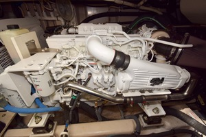 54' Sea Ray Sundancer 2012 Engine Room   2012 Sea Ray 540 Sundancer_0081