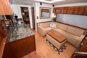 54' Sea Ray Sundancer 2012 Interior   2012 Sea Ray 540 Sundancer_0205