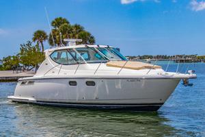 41' Tiara Sovran 3900 2011 This 2011 29' Tiara Sovran 3900 for Sale - SYS Yacht Sales