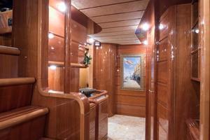 94' Custom Line Ferretti Custom Line Motoryacht 2001 Lady Breanna_foyer_1