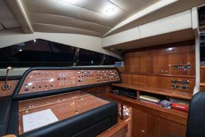 94' Custom Line Ferretti Custom Line Motoryacht 2001 Lady Breanna_pilothouse_8