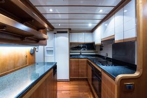 94' Custom Line Ferretti Custom Line Motoryacht 2001 Lady Breanna_galley_3