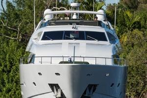 94' Custom Line Ferretti Custom Line Motoryacht 2001 Lady Breanna_bow_profile_4