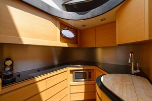64' Pershing 64 Express 2010
