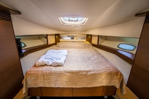 50' Sea Ray Sundancer 2012