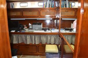 photo of Gulfstar Motor Yacht - Philos