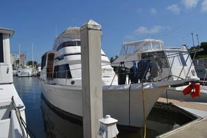 49' Gulfstar Motor Yacht 1987 Stbd Bow