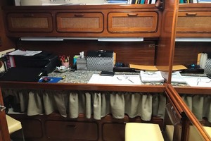 49' Gulfstar Motor Yacht 1987 Guest Stateroom  Office