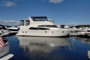 46' Carver 466 2005 This 2005 46' Carver 446 for Sale - SYS Yacht Sales