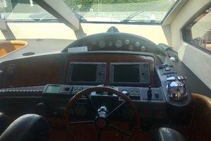 82' Sunseeker Fly Bridge 2004