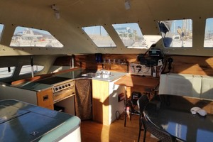 43' Farrier 44 SC 2014 Galley And Salon