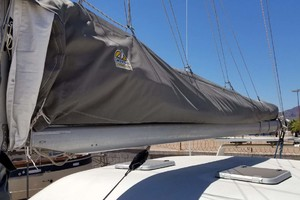 43' Farrier 44 SC 2014 Mast And Rigging