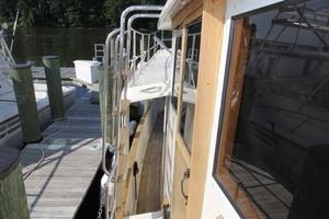 42' Chien Hwa Krogen 42 1982 Starboard Sidedeck Looking Aft