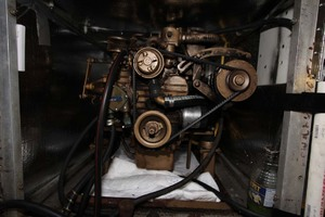 42' Chien Hwa Krogen 42 1982 Generator