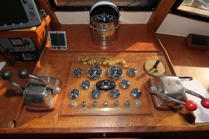 42' Chien Hwa Krogen 42 1982 Pilothouse Helm Gauges