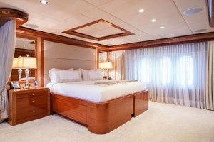164' Trinity Yachts Motor Yacht 2010