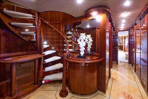 132' Horizon Tri-deck 2008