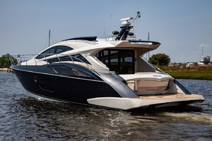 50' Marquis  500 Sport Coupe 2009 Port Side Stern