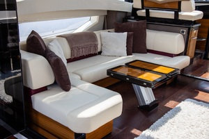 50' Marquis  500 Sport Coupe 2009 Salon/Galley