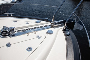 50' Marquis  500 Sport Coupe 2009 Bow Windlass