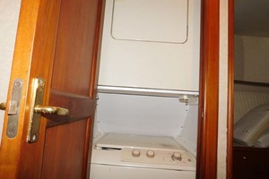 48' Ocean Yachts Ss 1998 Washer And Dryer