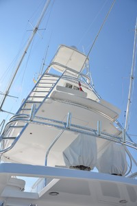 54' Hatteras Convertible 2003 Tower