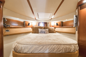 52' Sea Ray 500 Sedan Bridge 2005 Master stateroom
