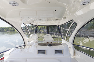 52' Sea Ray 500 Sedan Bridge 2005 Helm station looking aft