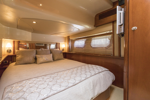 52' Sea Ray 500 Sedan Bridge 2005 VIP stateroom