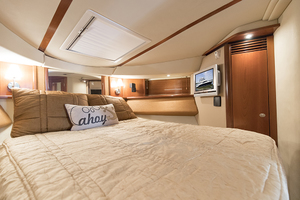 52' Sea Ray 500 Sedan Bridge 2005 Master stateroom view 2