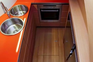 72' Pershing  2008 Galley