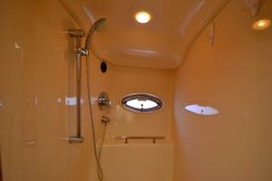 38' Sea Ray 38 Sundancer 2007 Shower