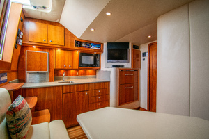 Fish Whisperer is a Albemarle 41 Express Yacht For Sale in Freeport-Fish Whisperer Albemarle 2007 41 Express-4