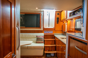 Fish Whisperer is a Albemarle 41 Express Yacht For Sale in Freeport-Fish Whisperer Albemarle 2007 41 Express-7