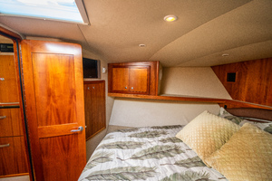 Fish Whisperer is a Albemarle 41 Express Yacht For Sale in Freeport-Fish Whisperer Albemarle 2007 41 Express-9