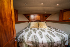 Fish Whisperer is a Albemarle 41 Express Yacht For Sale in Freeport-Fish Whisperer Albemarle 2007 41 Express-8