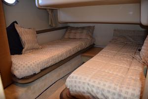 43' Azimut Flybridge Motor Yacht 2007 Guest Stateroom