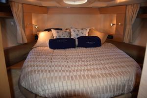 43' Azimut Flybridge Motor Yacht 2007 Master Stateroom