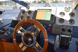 43' Azimut Flybridge Motor Yacht 2007 Lower Helm