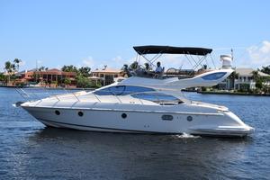 43' Azimut Flybridge Motor Yacht 2007 Profile