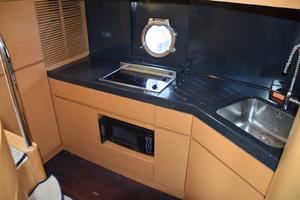 43' Azimut Flybridge Motor Yacht 2007 Galley
