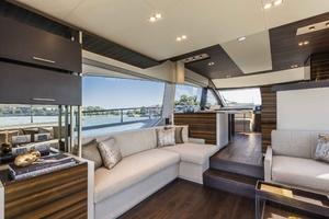 67' Ferretti Yachts 670 2019 Salon