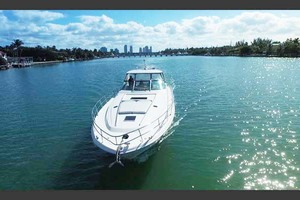 55' Sea Ray Sundancer 2004 Bow View
