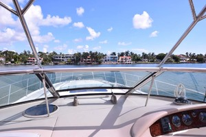 55' Sea Ray Sundancer 2004 Windshield