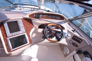 55' Sea Ray Sundancer 2004 Helm Electronics