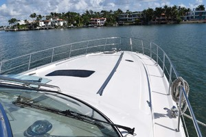 55' Sea Ray Sundancer 2004 Foredeck
