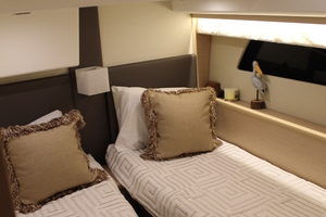 50' Prestige 500 S 2016 Guest Stateroom